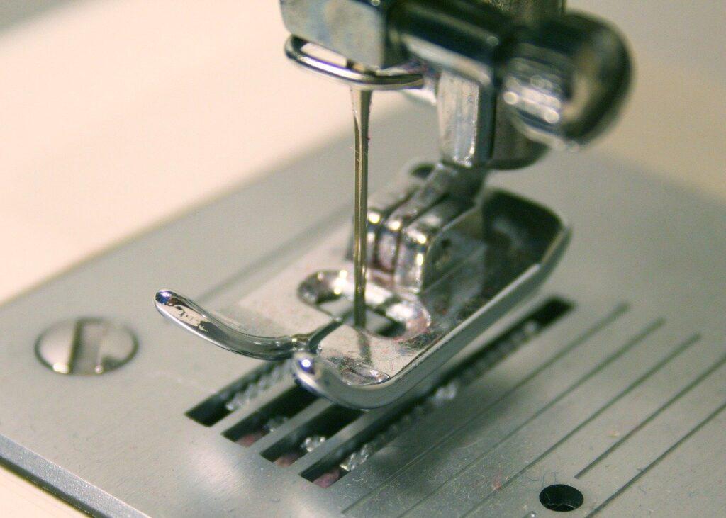sewing machine, sewing, sew